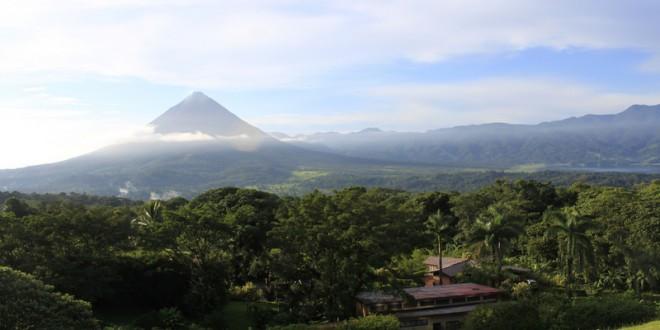 Wednesday Photo Nights #1 : Arenal Volcano, Costa Rica