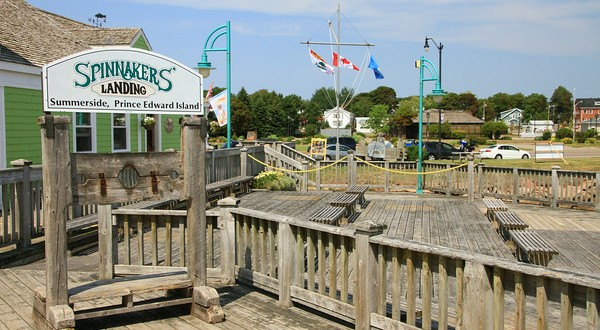 What to do in PEI #3 : Have Lunch on Spinnakers Landing